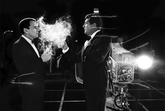 willoughby Frank-Sinatra_Dean-Martin-Smoke