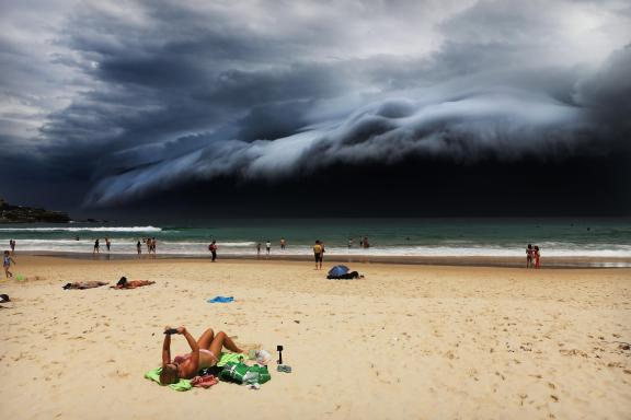 storm over, bondi beach world press photo
