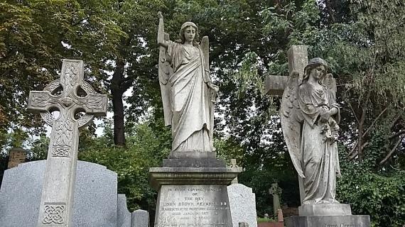 highgate cemetery statuary